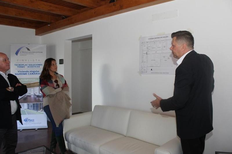 La primera vivienda bioclim tica canaria ubicada en conil - Las casas canarias lanzarote ...