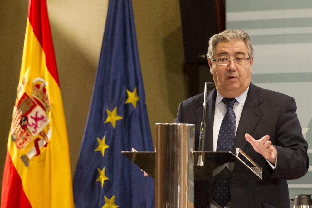El ministro del interior present la campa a sobre el uso for Escuchas del ministro del interior
