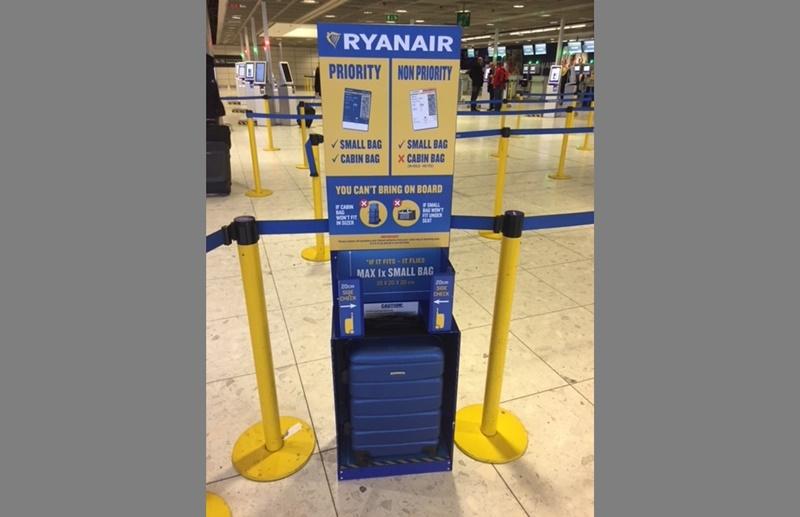 Oriental Tierra lana  Los clientes de Ryanair sólo podrán subir un bulto pequeño al avión -  Lancelot Digital
