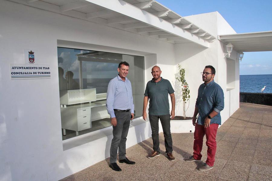 Concluidas las obras de la nueva oficina de informaci n for Oficina turismo lanzarote
